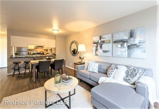 2 Bedrooms 1 Bathroom Apartment for rent at 2425 Harbor Ave Sw in Seattle, WA