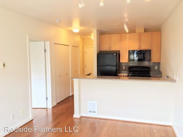 1 Bedroom 1 Bathroom Apartment for rent at 525 1st Ave West in Seattle, WA