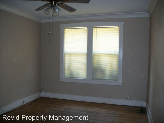 2 Bedrooms 1 Bathroom Apartment for rent at 144 N Belvedere in Memphis, TN