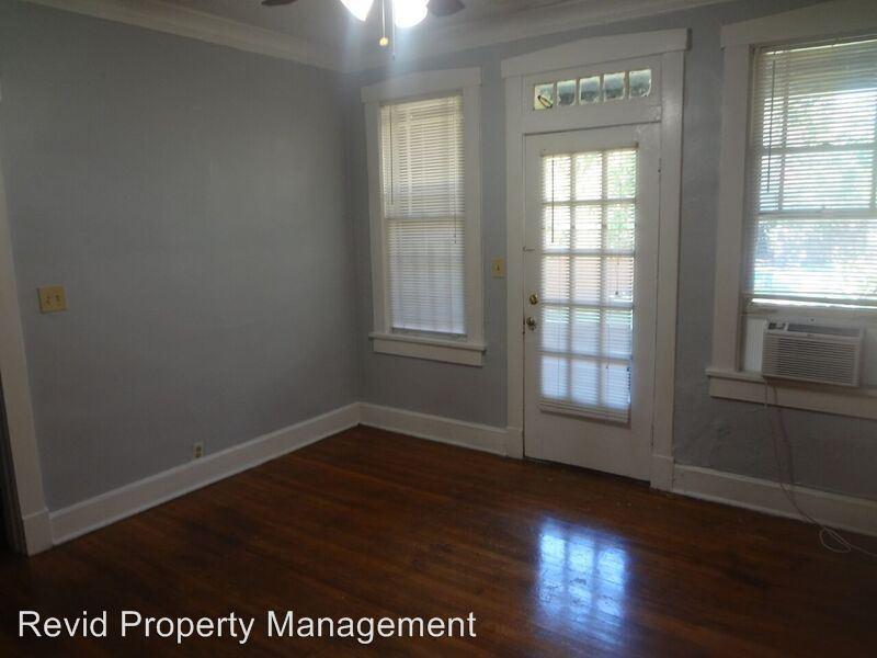 2 Bedrooms 1 Bathroom Apartment for rent at 144 N Belvedere in Memphis, TN