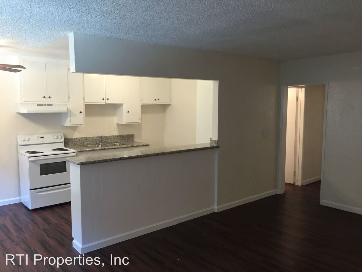 2 Bedrooms 1 Bathroom Apartment for rent at 1010-1020-1028 Orange Ave. in Long Beach, CA