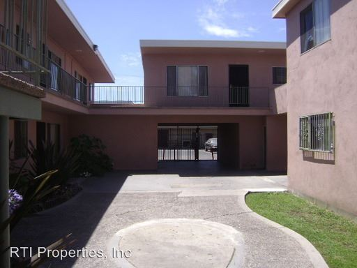 2 Bedrooms 1 Bathroom Apartment for rent at 1151-1153-1155 Walnut Ave. in Long Beach, CA