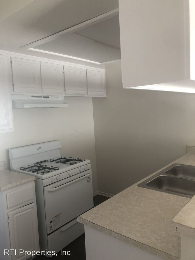 1 Bedroom 1 Bathroom Apartment for rent at 1555 - 57 Carson St. in Torrance, CA