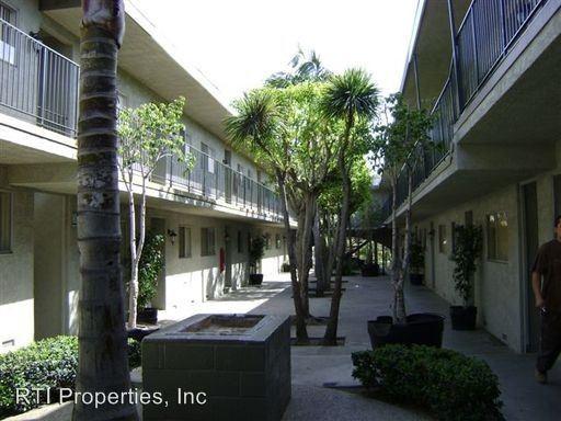 2 Bedrooms 1 Bathroom Apartment for rent at 1261-1281 Rosecrans Ave. in Gardena, CA