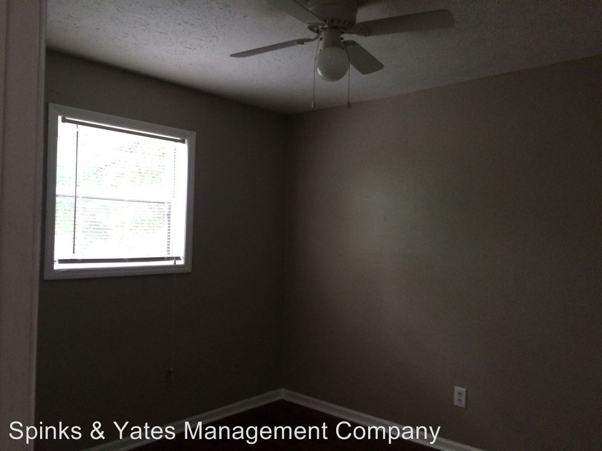 2 Bedrooms 1 Bathroom Apartment for rent at 600 Frank Hall Jr in West Point, GA