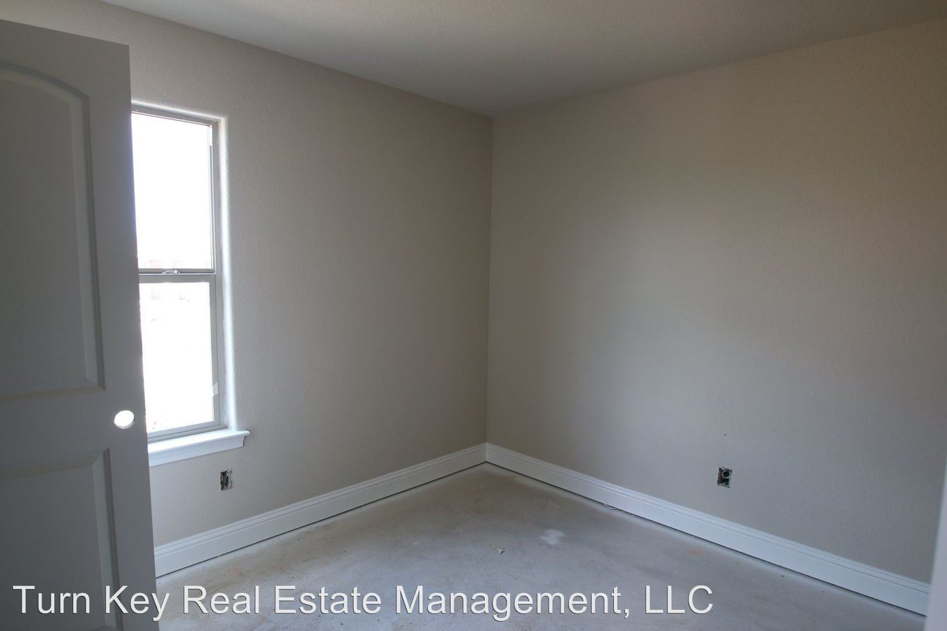3 Bedrooms 2 Bathrooms Apartment for rent at 141-143 Crossbow Ct. in Weatherford, TX