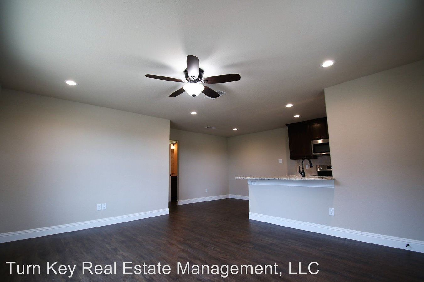 3 Bedrooms 2 Bathrooms Apartment for rent at 142-144 Crossbow Ct. in Weatherford, TX