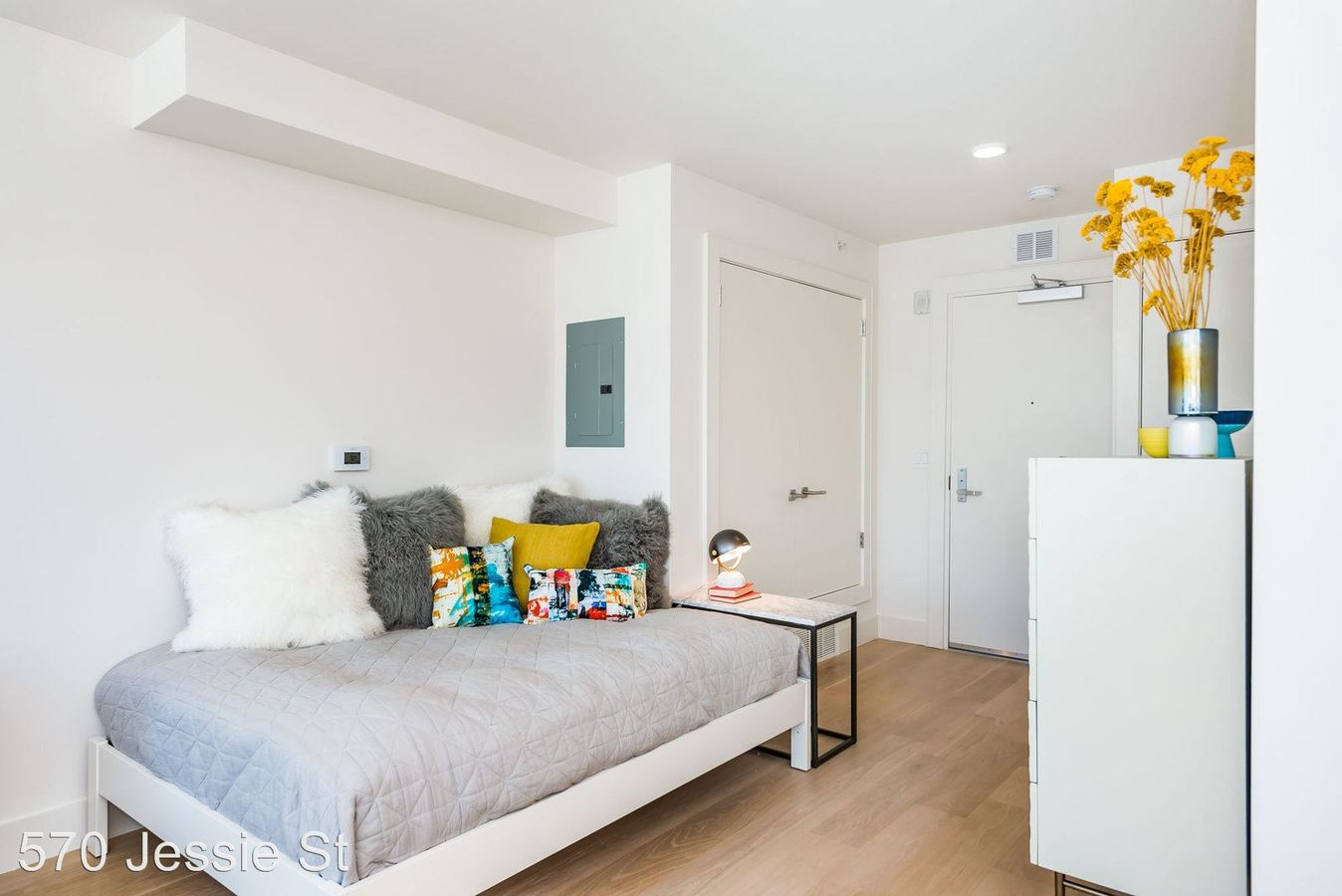 Studio 1 Bathroom Apartment for rent at 570 Jessie St in San Francisco, CA