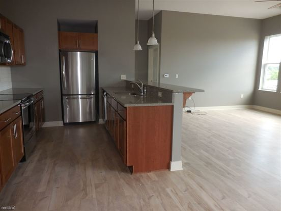 2 Bedrooms 1 Bathroom Apartment for rent at 260 South St in Waukesha, WI