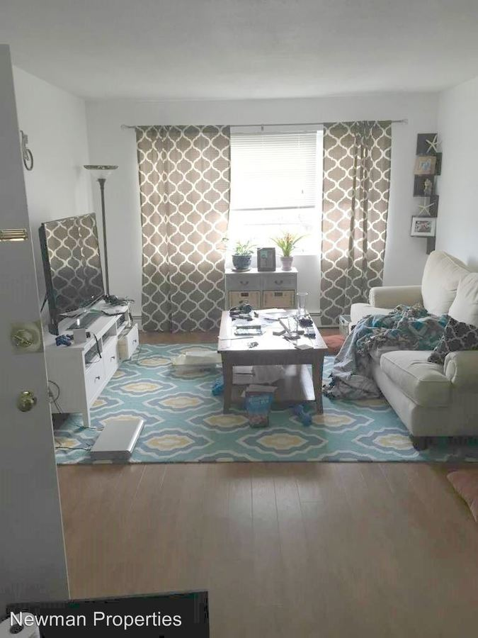 2 Bedrooms 1 Bathroom Apartment for rent at 21 & 25 Thomas Ave in Bourne, MA
