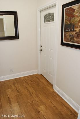 1 Bedroom 1 Bathroom Apartment for rent at 1759 Seminary Ave in Oakland, CA