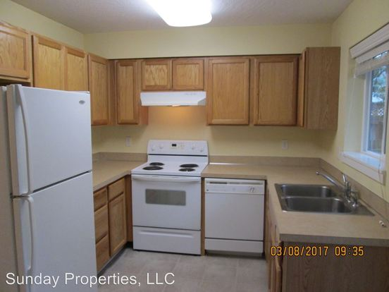 2 Bedrooms 1 Bathroom Apartment for rent at 1744 Patterson Street 1745 Patterson Alley in Eugene, OR