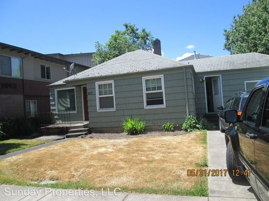4 Bedrooms 2 Bathrooms Apartment for rent at 1744 Patterson Street 1745 Patterson Alley in Eugene, OR