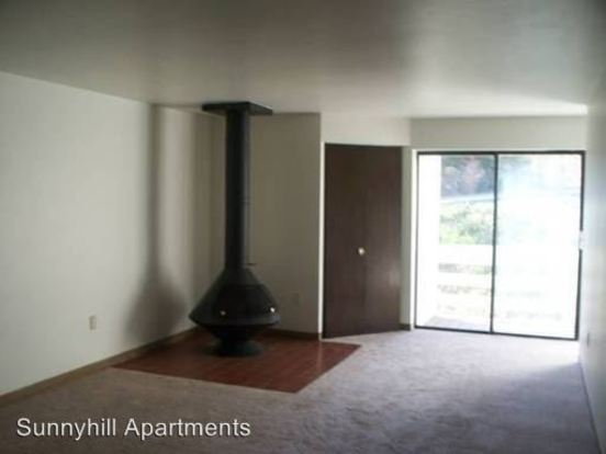 2 Bedrooms 1 Bathroom Apartment for rent at 130 Sunnyhill Drive in Beaver Falls, PA