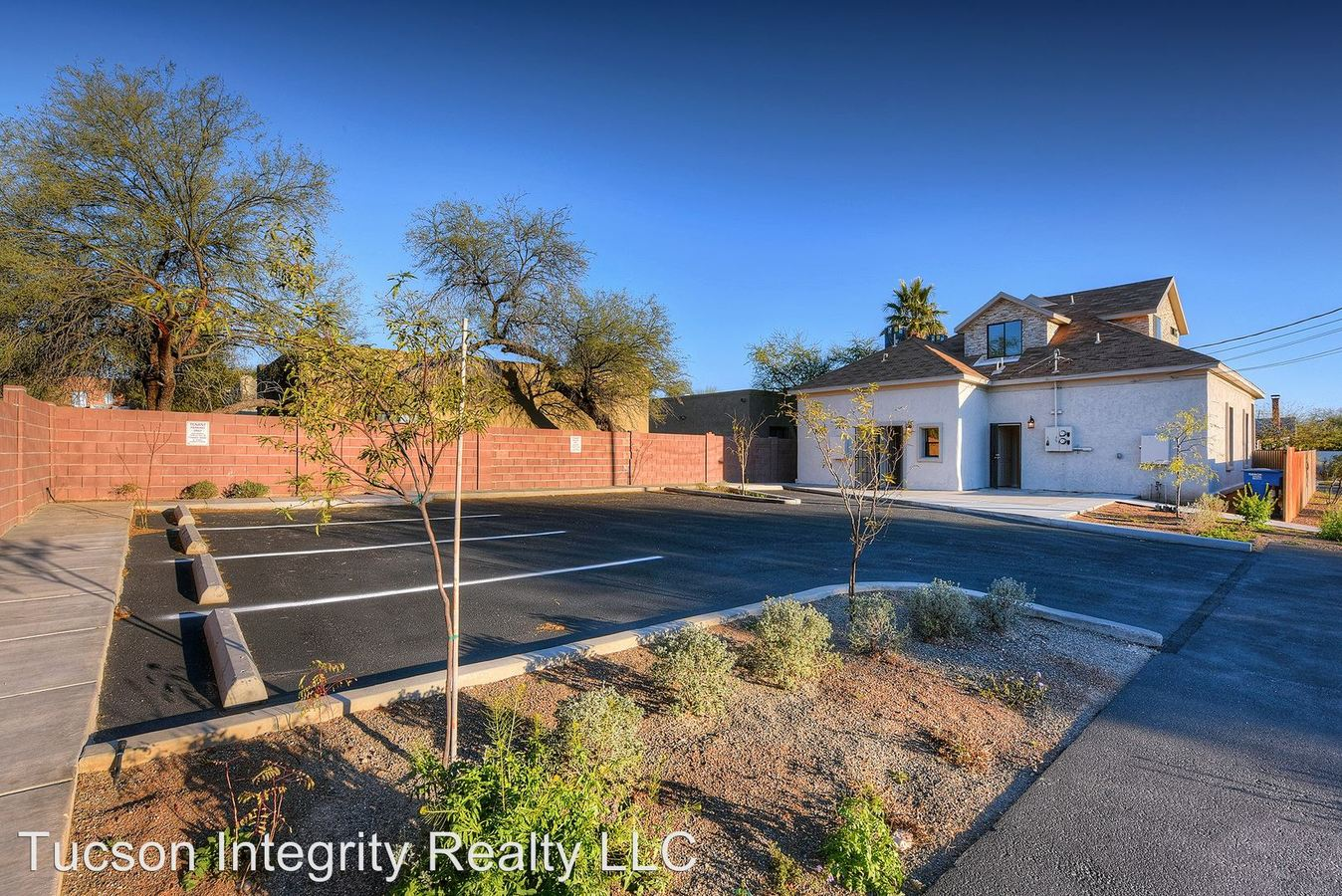 4 Bedrooms 2 Bathrooms Apartment for rent at 903 E. 7th St in Tucson, AZ