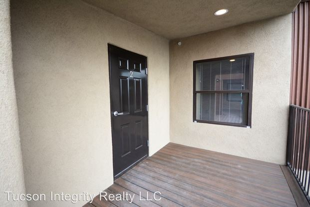 8+ Bedrooms 3 Bathrooms House for rent at 50 N. Mountain in Tucson, AZ