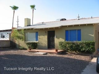 5 Bedrooms 3 Bathrooms House for rent at 920 E. Elm Street in Tucson, AZ