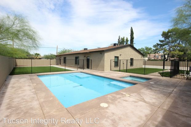 4 Bedrooms 2 Bathrooms House for rent at 1701 E. Miles in Tucson, AZ