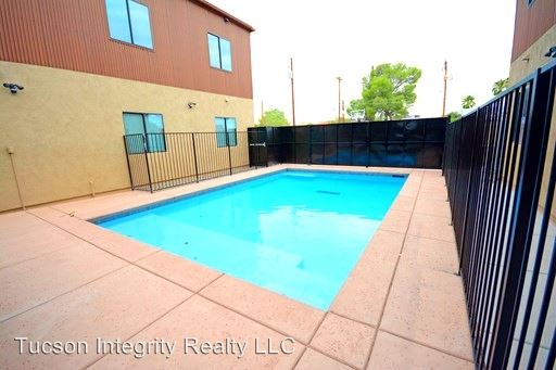 5 Bedrooms 3 Bathrooms Apartment for rent at 50 N. Mountain Ave in Tucson, AZ