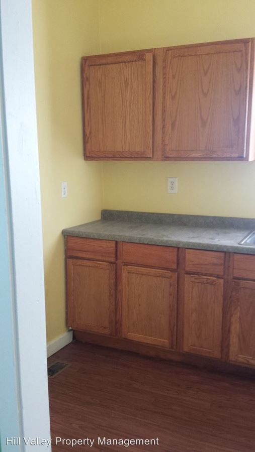 4 Bedrooms 1 Bathroom Apartment for rent at 1470 S 10th in Terre Haute, IN