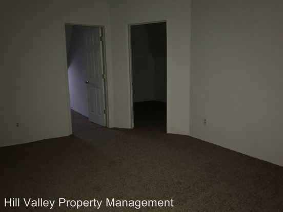 3 Bedrooms 1 Bathroom Apartment for rent at 532 S 4th St in Terre Haute, IN