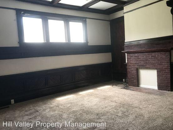 2 Bedrooms 1 Bathroom Apartment for rent at 629 Swan St in Terre Haute, IN