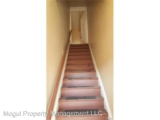 2 Bedrooms 1 Bathroom Apartment for rent at 3929 S Grand Blvd in St Louis, MO