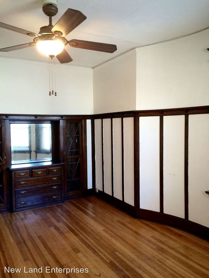 1 Bedroom 1 Bathroom Apartment for rent at 1479-95 N Farwell Avenue in Milwaukee, WI