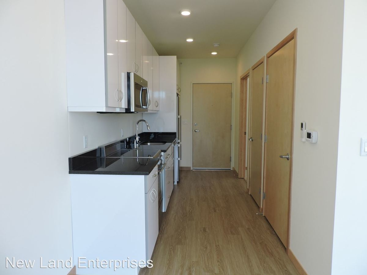 1 Bedroom 1 Bathroom Apartment for rent at 124 W Washington St in Milwaukee, WI