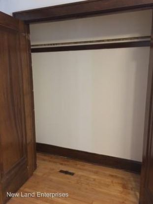 1 Bedroom 1 Bathroom Apartment for rent at 1219 W Walker St in Milwaukee, WI