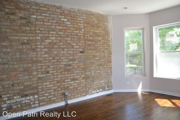 3 Bedrooms 1 Bathroom Apartment for rent at 3342 W. Beach Ave in Chicago, IL