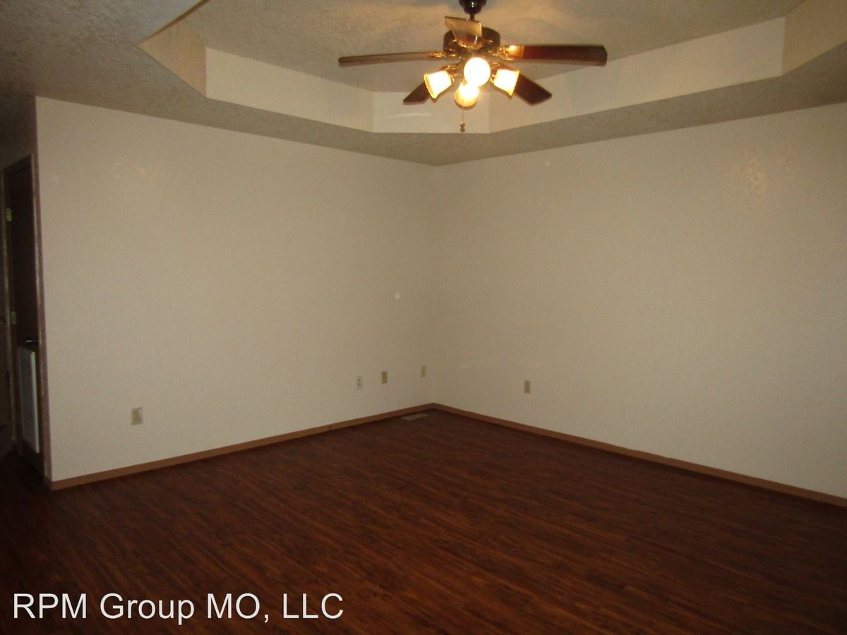 2 Bedrooms 1 Bathroom Apartment for rent at 2862 S. Meadowbrook Ave. in Springfield, MO