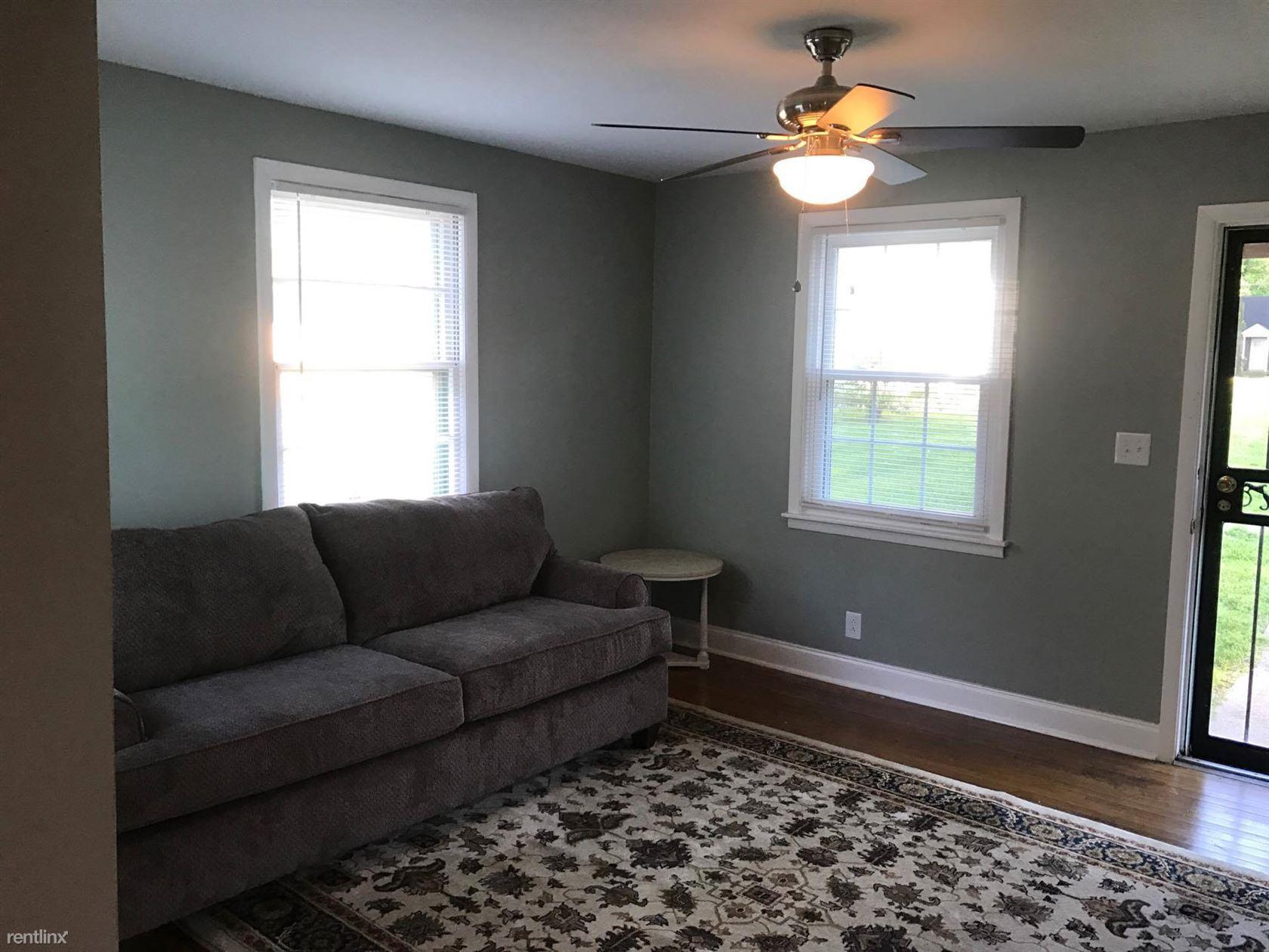 Similar Apartment at 1219 Mc Gavock Pike A