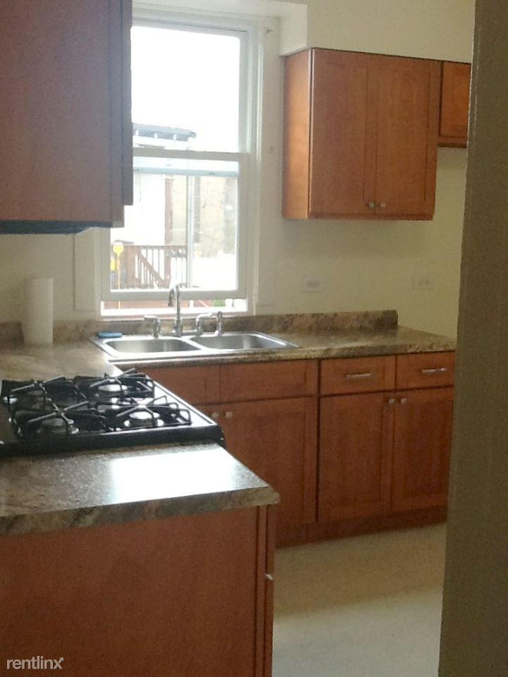 Similar Apartment at 7430 S Paxton 2