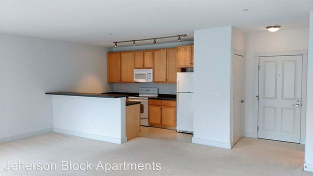 2 Bedrooms 2 Bathrooms Apartment for rent at 143 N Jackson Street in Milwaukee, WI