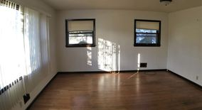 Similar Apartment at 10332 34 W Villard Ave