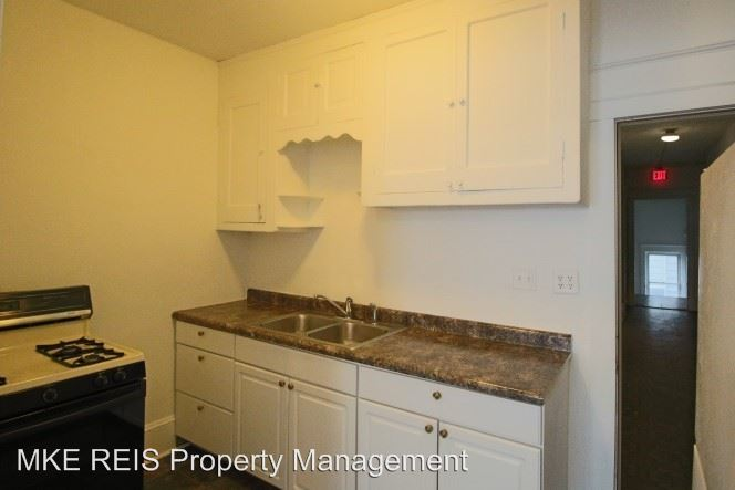 1 Bedroom 1 Bathroom Apartment for rent at 2484 S 9th Street in Milwaukee, WI