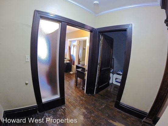 3 Bedrooms 1 Bathroom Apartment for rent at 816 Ivy St in Pittsburgh, PA