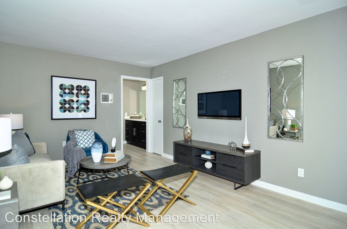 2 Bedrooms 1 Bathroom Apartment for rent at 4720-4732 Hawley Blvd in San Diego, CA