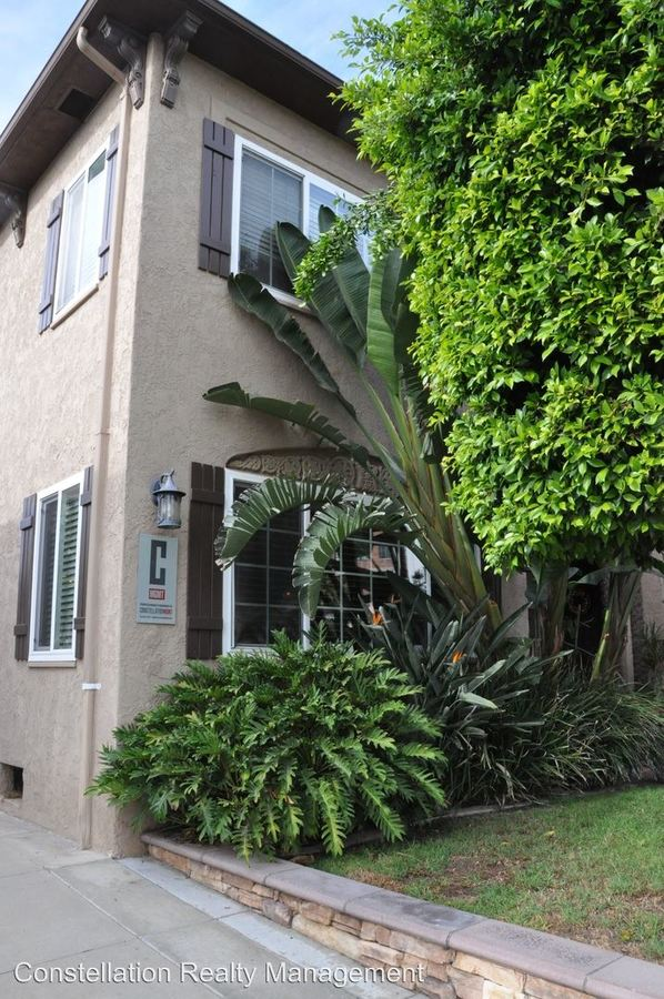 2 Bedrooms 1 Bathroom Apartment for rent at 3612-3616 Park Blvd. in San Diego, CA