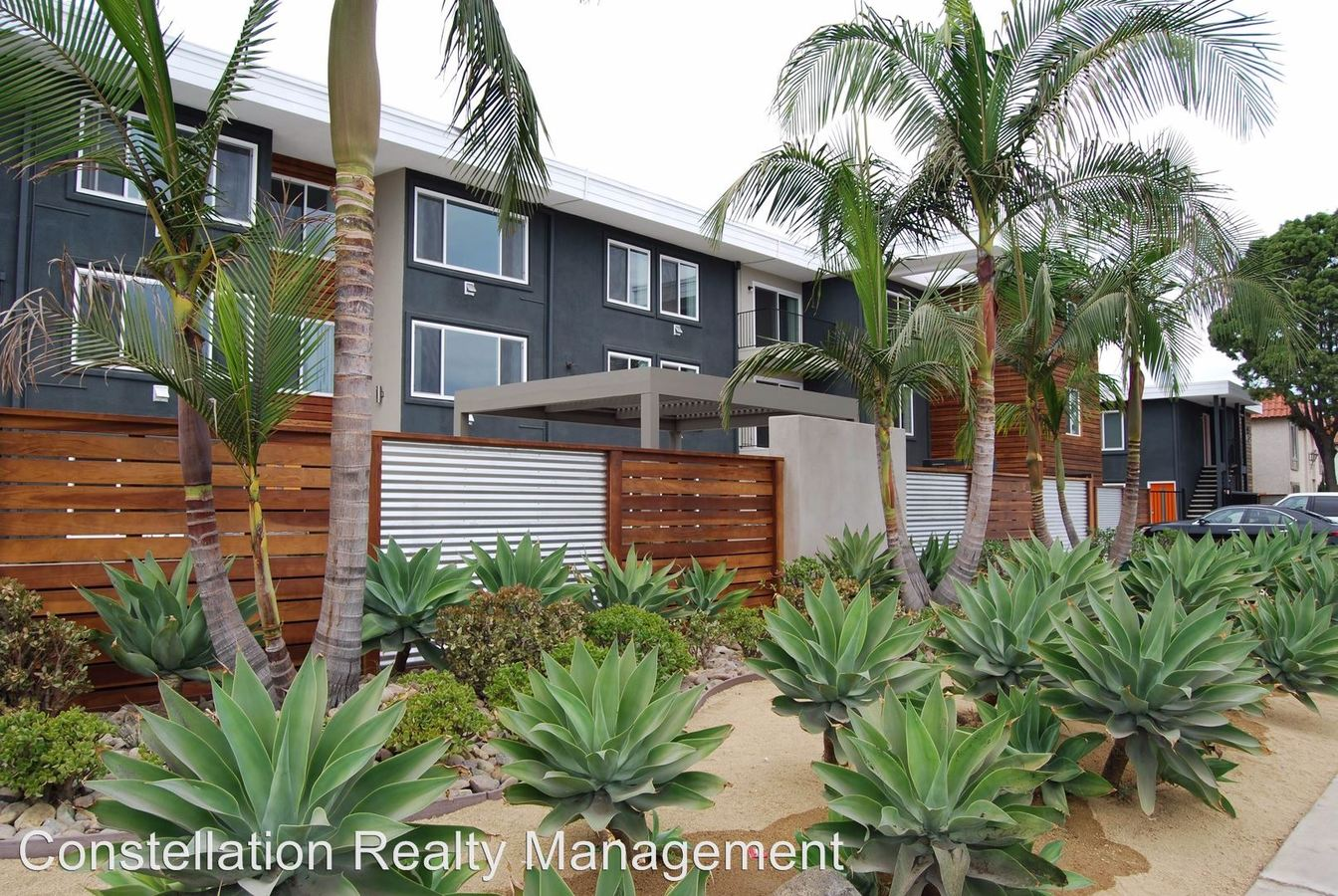 2 Bedrooms 2 Bathrooms Apartment for rent at 4720-4732 Hawley Blvd in San Diego, CA