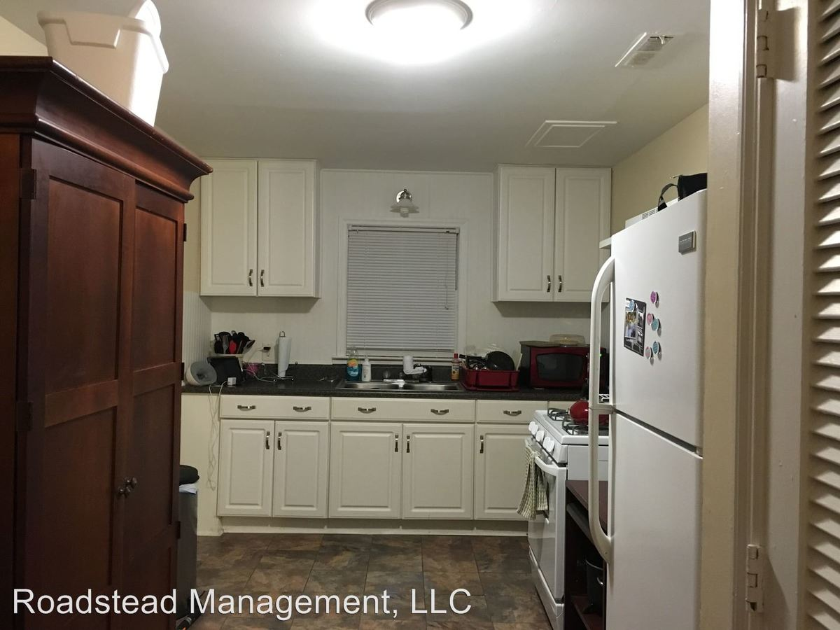 2 Bedrooms 1 Bathroom Apartment for rent at 38 Reid St. in Charleston, SC