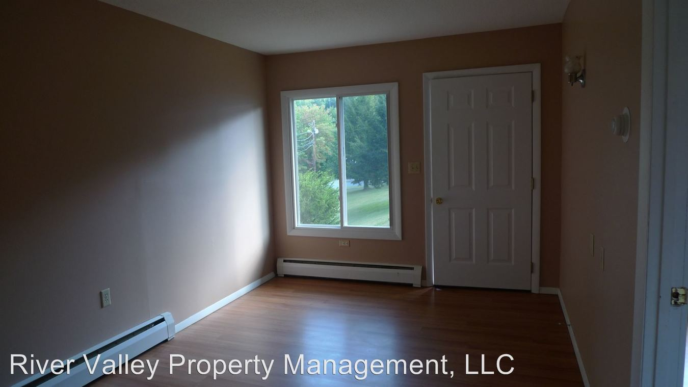 1 Bedroom 1 Bathroom Apartment for rent at 2 Linhale Dr in Springfield, VT
