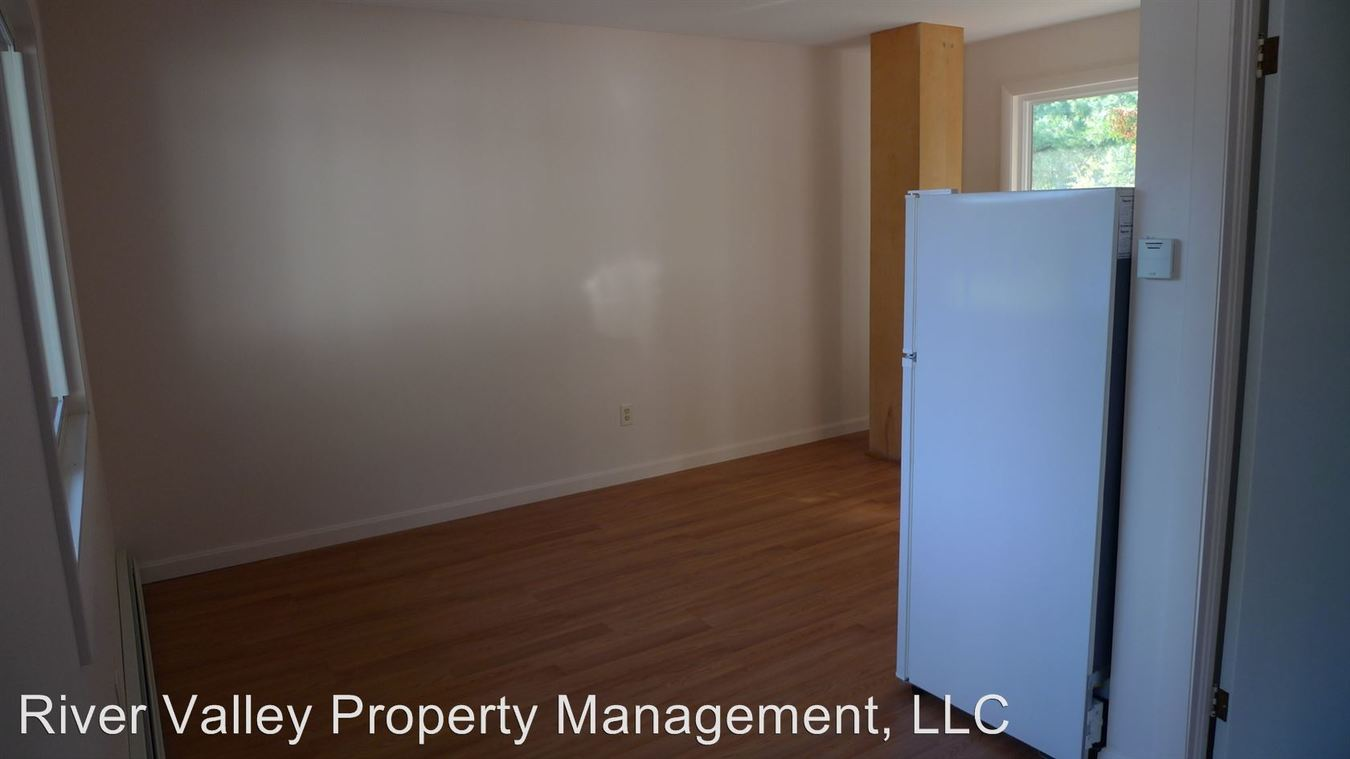 Studio 1 Bathroom Apartment for rent at 2 Linhale Dr in Springfield, VT