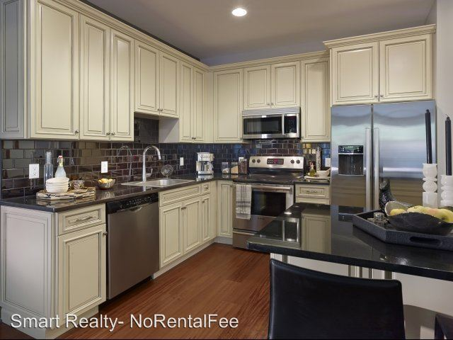 1 Bedroom 1 Bathroom Apartment for rent at 238 Old River Road in Edgewater, NJ