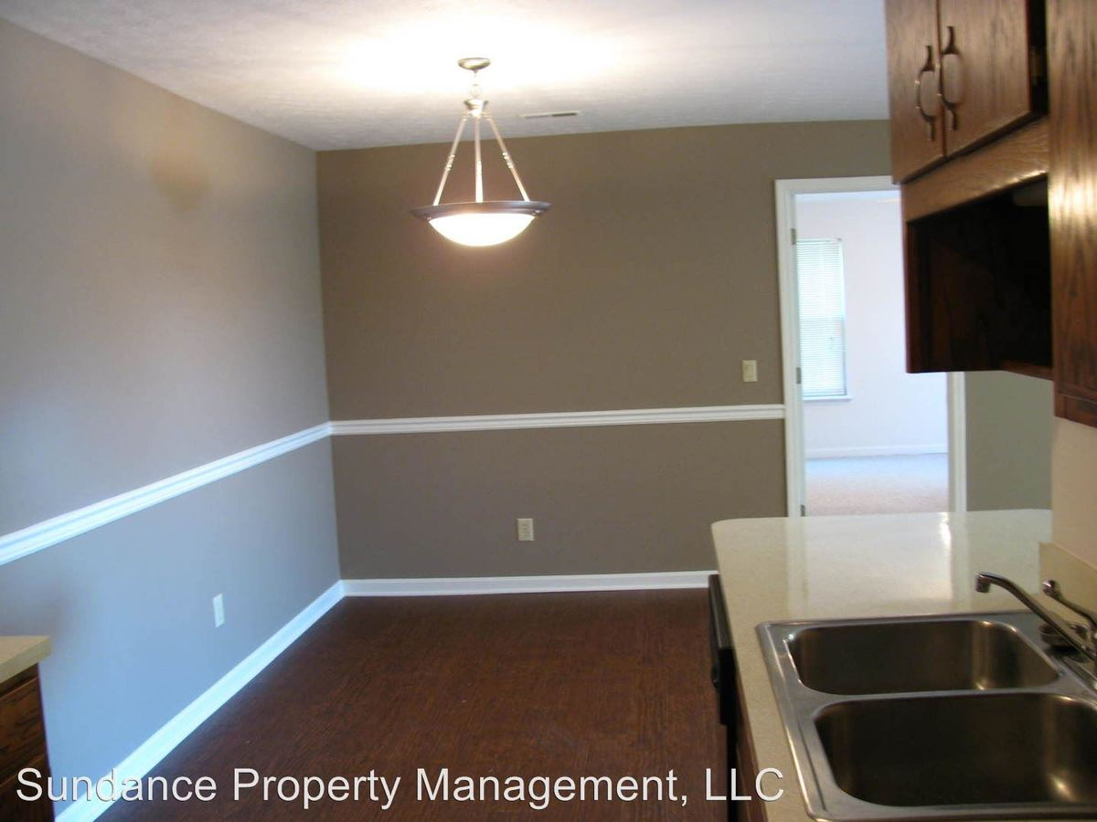1 Bedroom 1 Bathroom Apartment for rent at 3250 Autumn Ridge Court #1 in Jeffersonville, IN