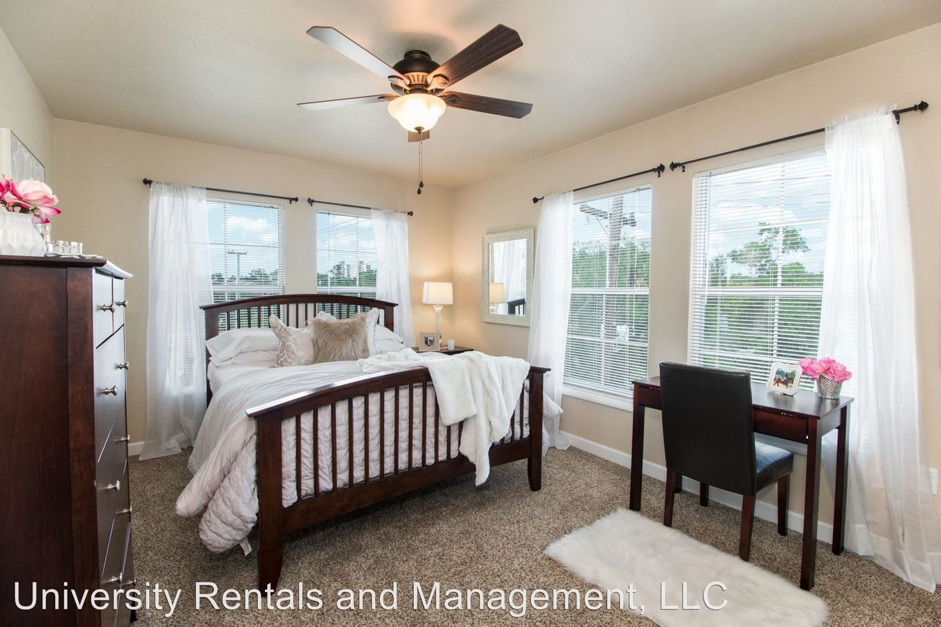 4 Bedrooms 4+ Bathrooms Apartment for rent at 921 Sw Depot Ave in Gainesville, FL