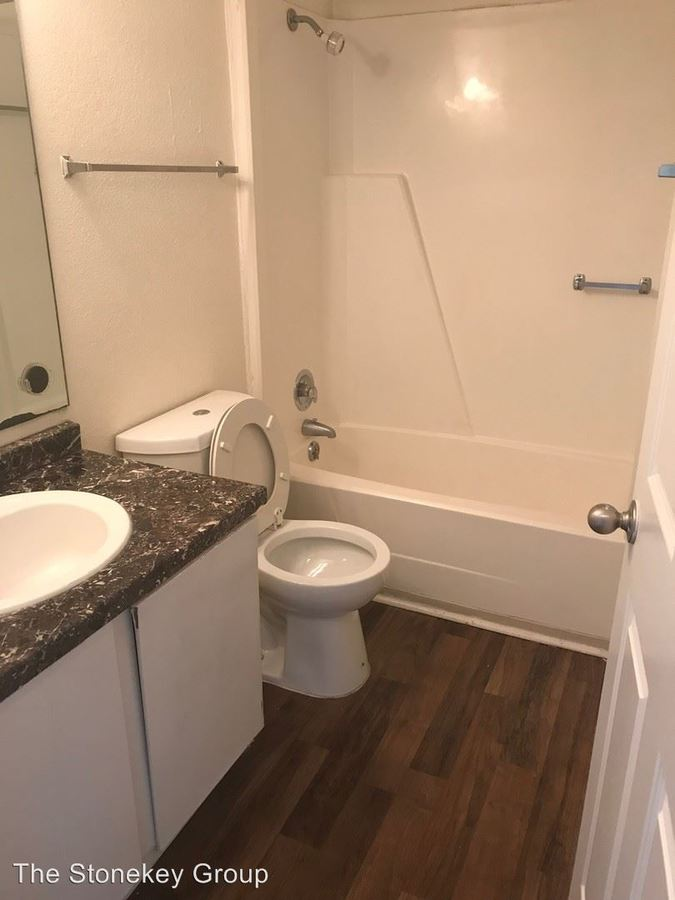1 Bedroom 1 Bathroom Apartment for rent at 209 Meadowood Commons in Norcross, GA