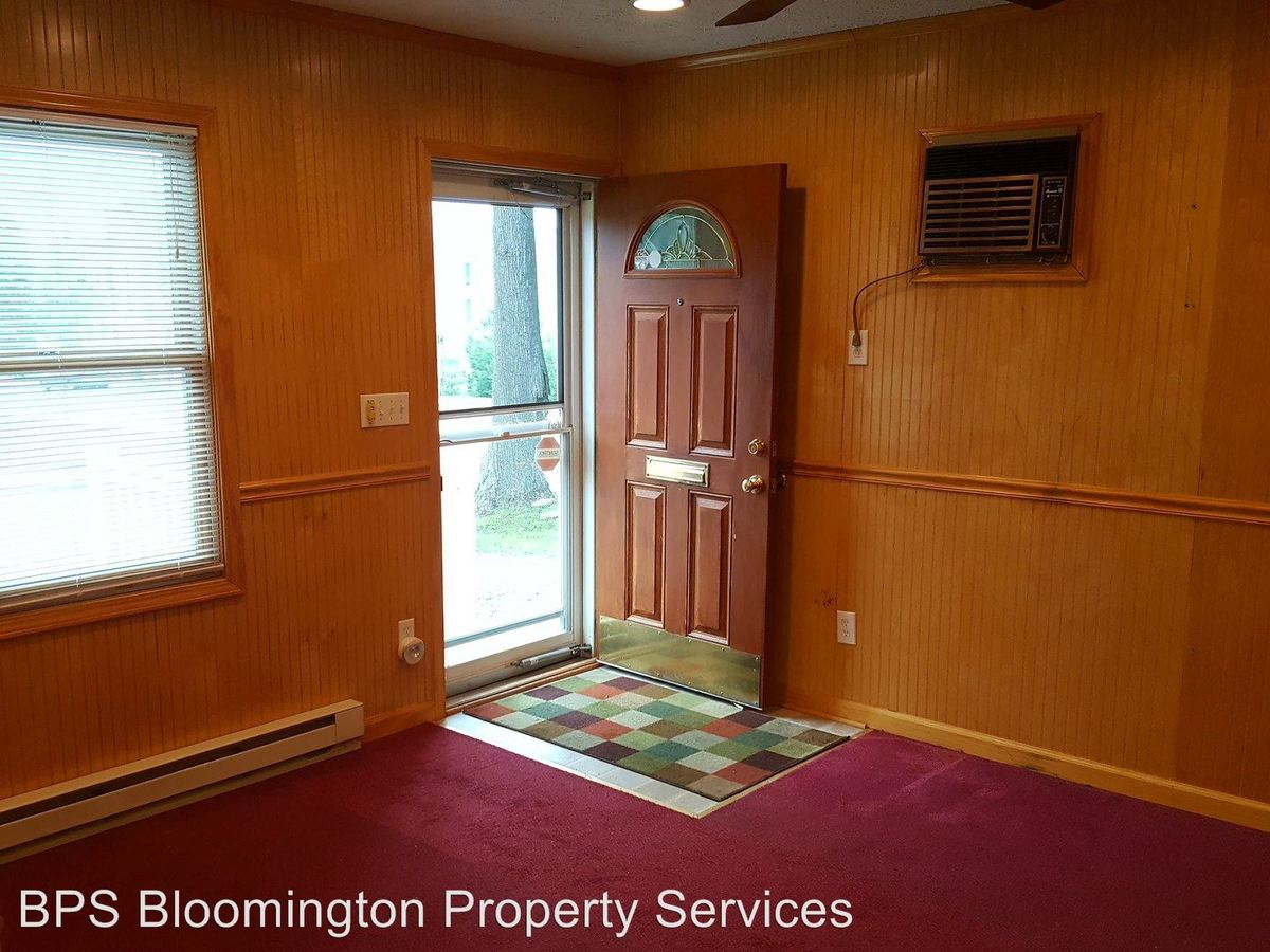 1 Bedroom 1 Bathroom Apartment for rent at 130 N Union St in Bloomington, IN