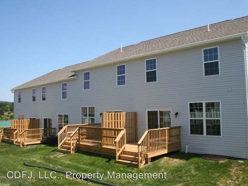 3 Bedrooms 2 Bathrooms Apartment for rent at 801-857 Jacks Mill Drive in Boalsburg, PA